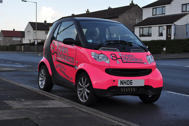 A pink smart car credits Forster (CC BY-ND 2.0)