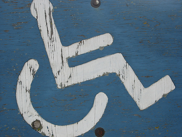 Handicap sign by Lauren(CC BY 2.0)