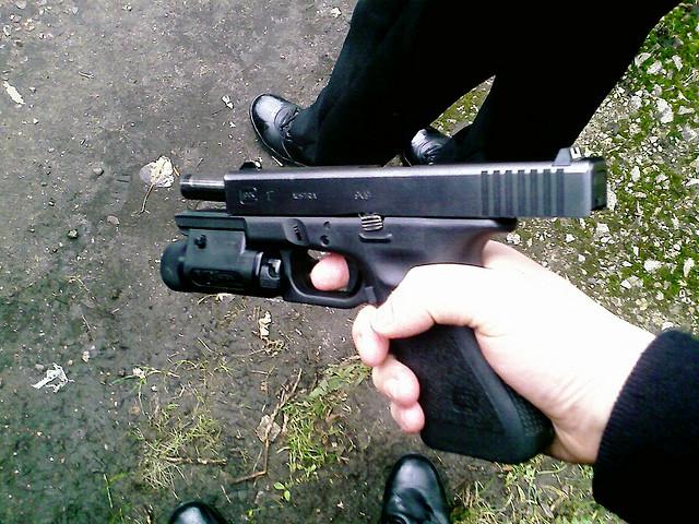 Izzard-Glock(CC BY-SA 2.0)