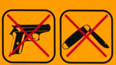 no weapons-thomas roth(CC BY-NC 2.0)