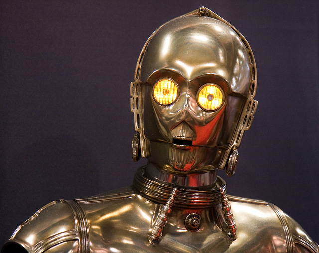C3PO, droide de Star Wars (Crédits : Nathan Rupert, licence CC-BY-NC-ND 2.0), via Flickr.
