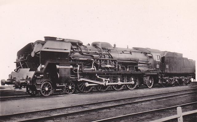 Laurent Lenotre Locomotive Schneider 241P inspirée des 241 A de la Compagnie du chemin de fer Paris-Lyon-Méditerranée