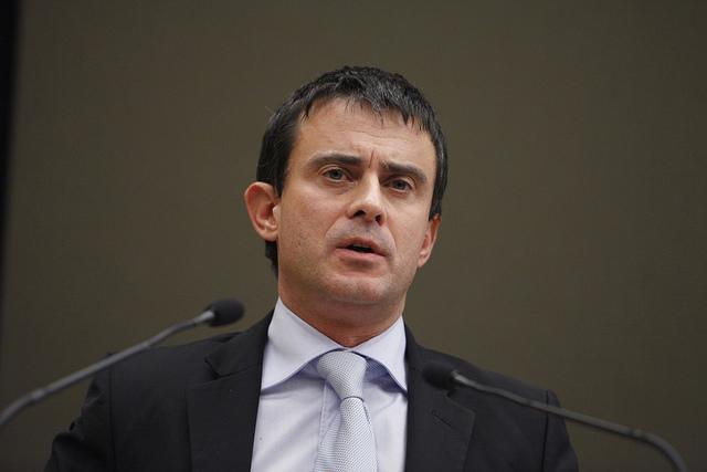 Valls se prépare à une campagne en creux