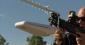 Armes anti-drones : fusil DroneDefender et bazooka SkyWall (vidéo)