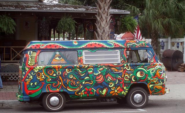 Shibby777 Hippie Bus(CC BY-SA 2.0)