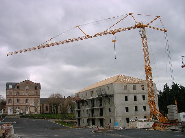 Pourquoi l'immobilier est-il si cher en France ?