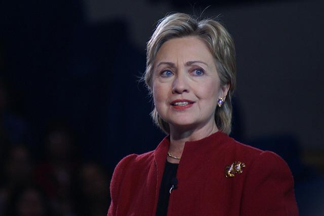Le FBI pardonne à Hillary
