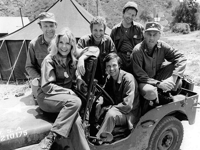 MASH_TV_cast_1974-Wikimedia Commons