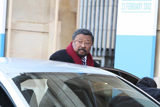 Gabon : Jean Ping, un pour tous et tout pour lui