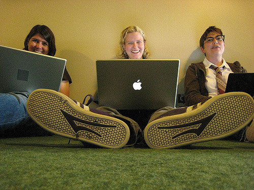Comment brancher les femmes sur le numérique ?
