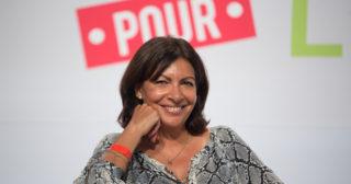 Anne hidalgo chasse les voitures-Anne Hidalgo by Parti socialiste(CC BY-NC-ND 2.0)