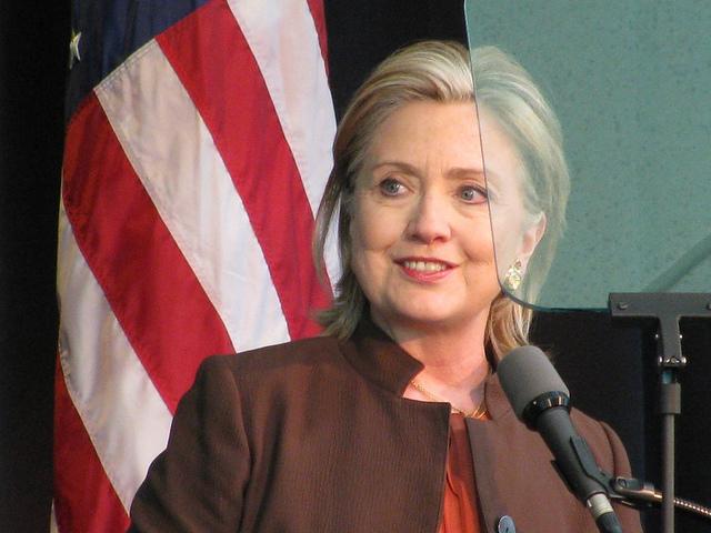 Pourquoi Hillary Clinton veut que vous aimiez l'Union Européenne
