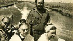 Fidel-Castro-en-compagnie-de-Sartre-et-Beauvoir-by-rv1864