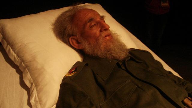Fidel Castro n'est pas mort, les dictateurs sont immortels !