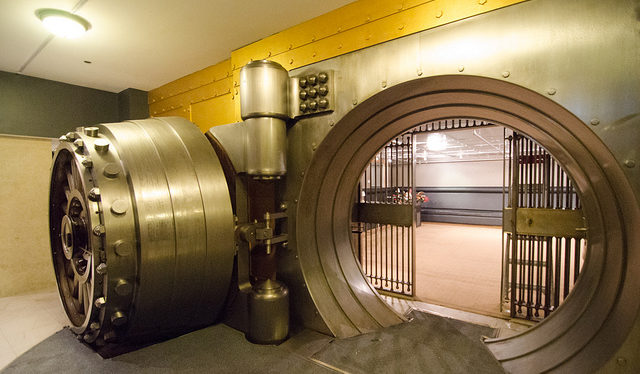 bank vault - coffre de banque - coffre fort - secret fiscal - secret bancaire