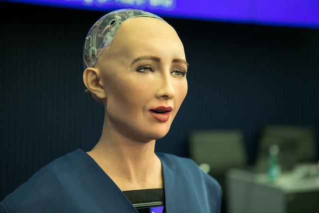 Sophia, révélatrice de notre rapport à l'intelligence artificielle