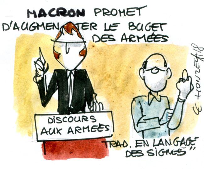 Macron promet d'augmenter le budget des armées