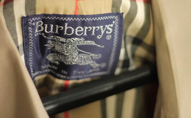 96c2418652c Burberry brûle ses invendus   Tant mieux !